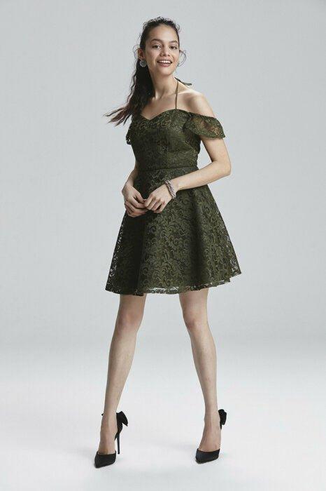 2c474c6e2b330 Adil Işık Mezuniyet elbisesi için ideal Dantel kloş elbise 499 tl.
