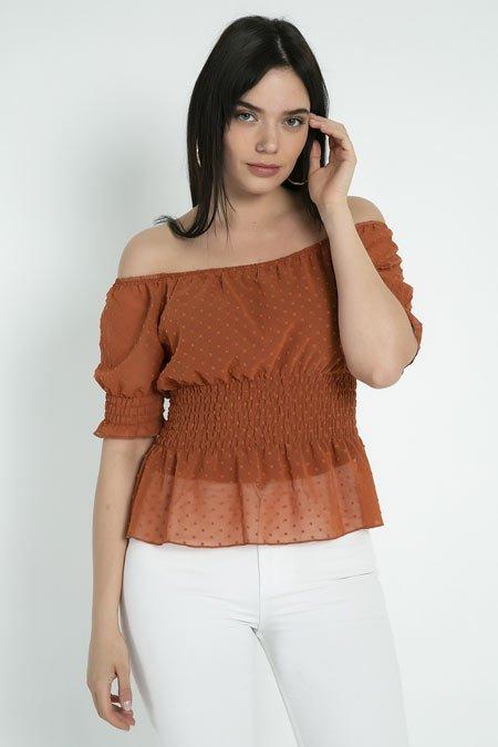 omuz dekolteli bluz kombinleri 3