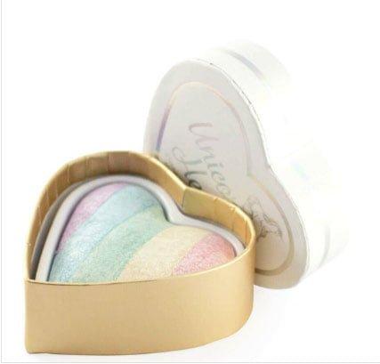 Watsons  mağazalarında satılan allıklardan:  I HEART REVOLUTION Unicorns Heart Highlighter Allık  60 tl.