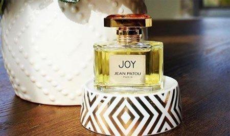 en pahalı 10 kadın parfümü 8