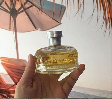 En Çekici 10 Kadın Parfümü