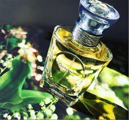 kalıcılığı en yüksek 10 kadın parfümü 9