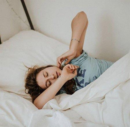 uykusuz yüz ifadesini yok etmek