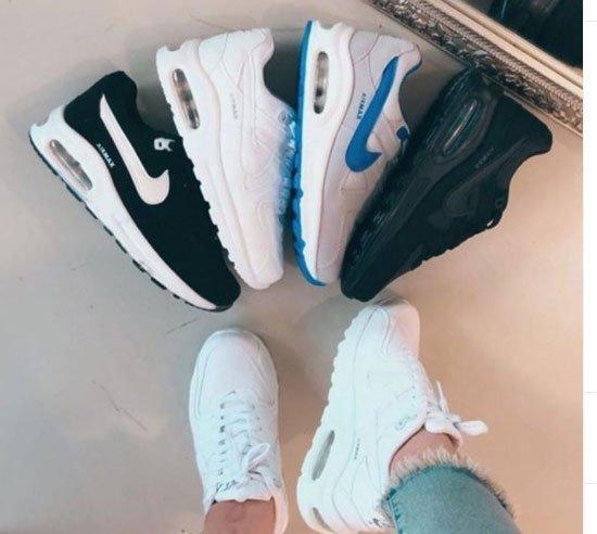 nike dolgu topuk spor ayakkabılar 1